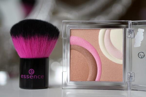 Essence-sun-ligt-blush-bronzer-kabuki (1)