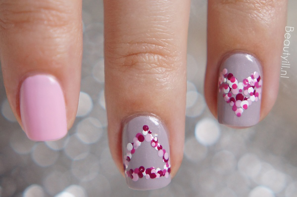 Sign-of-love-nailart-step-by-step-beautyill (2)