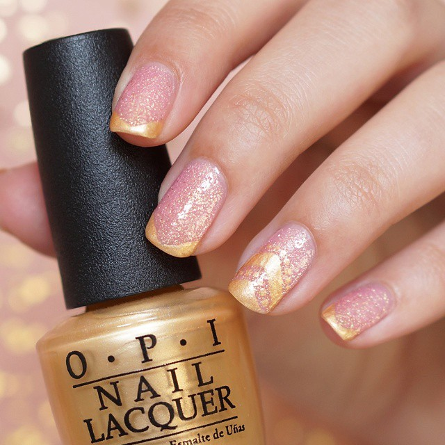 Another #NOTD picture.. I gold and pink!