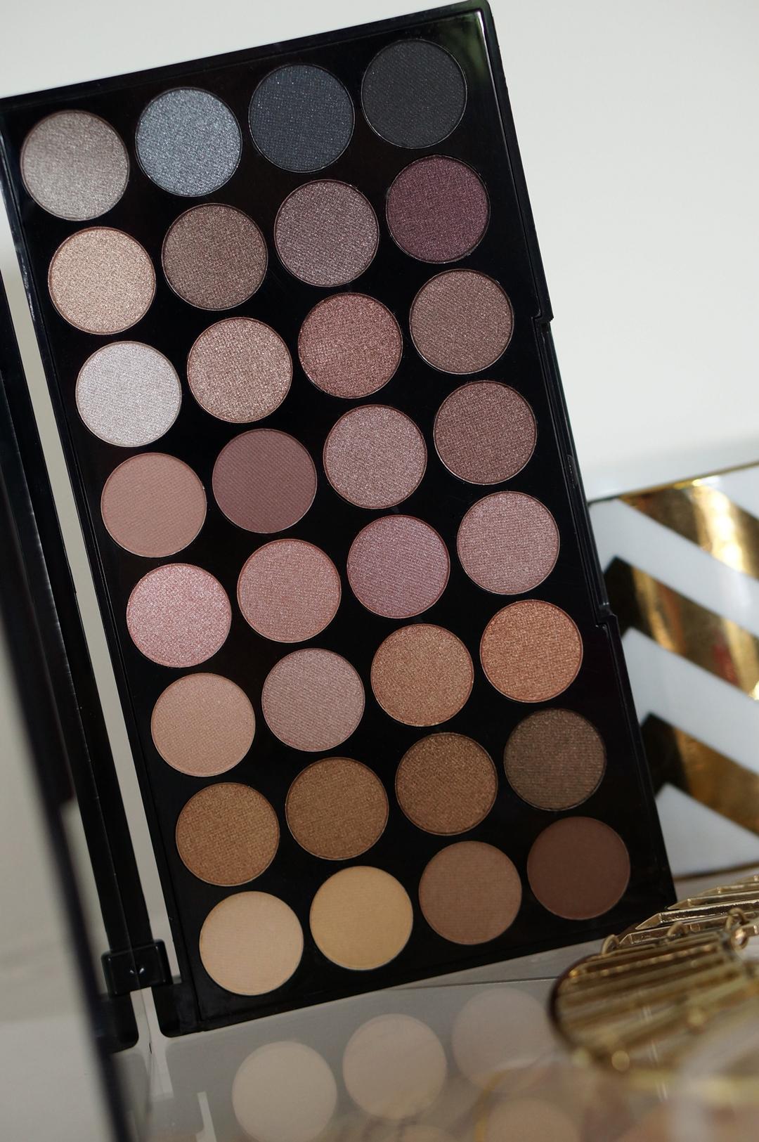 ... makeup revolution beyond flawless ultra eyeshadows 32 5 ...