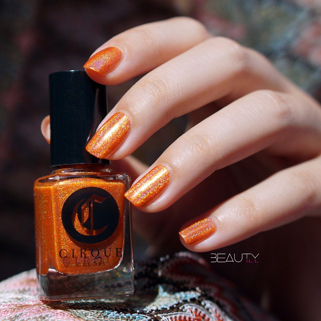 Valencia sunny orange from the cirquecolors Juicy collection