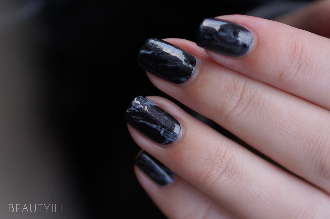 DIY Nail Art Black Marble