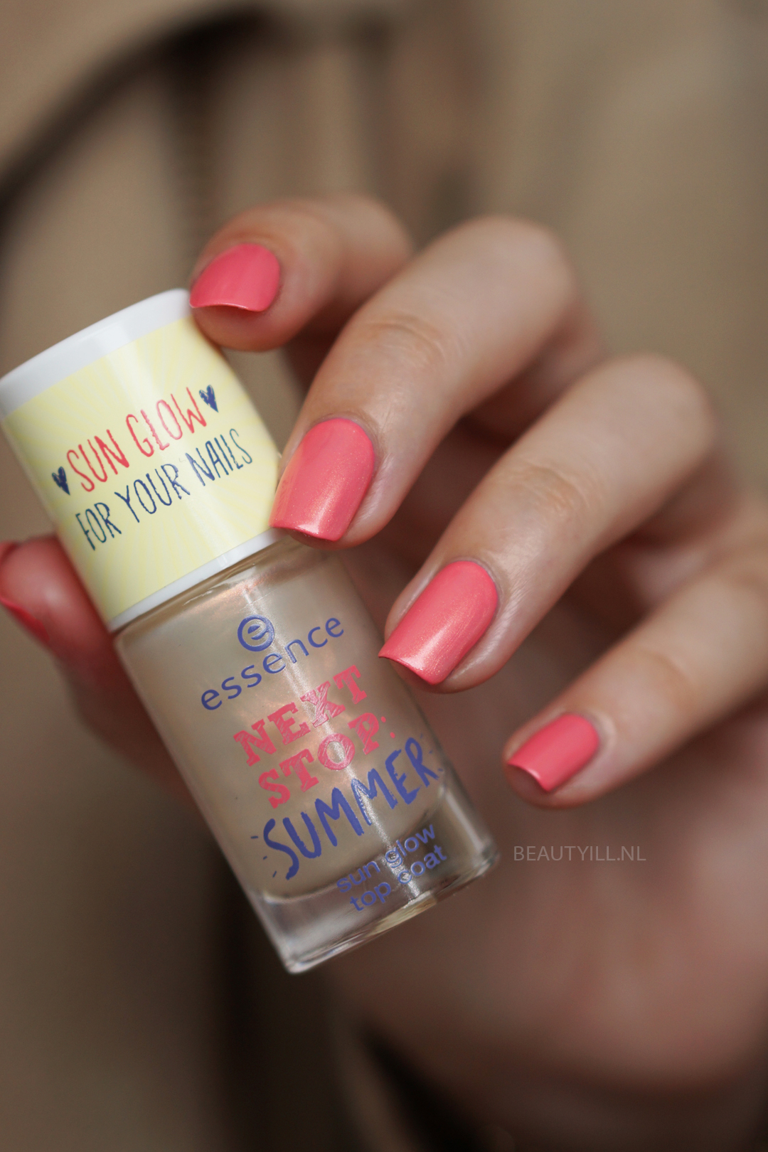 "NOTD ""NEXT STOP: SUMMER"" swatches"