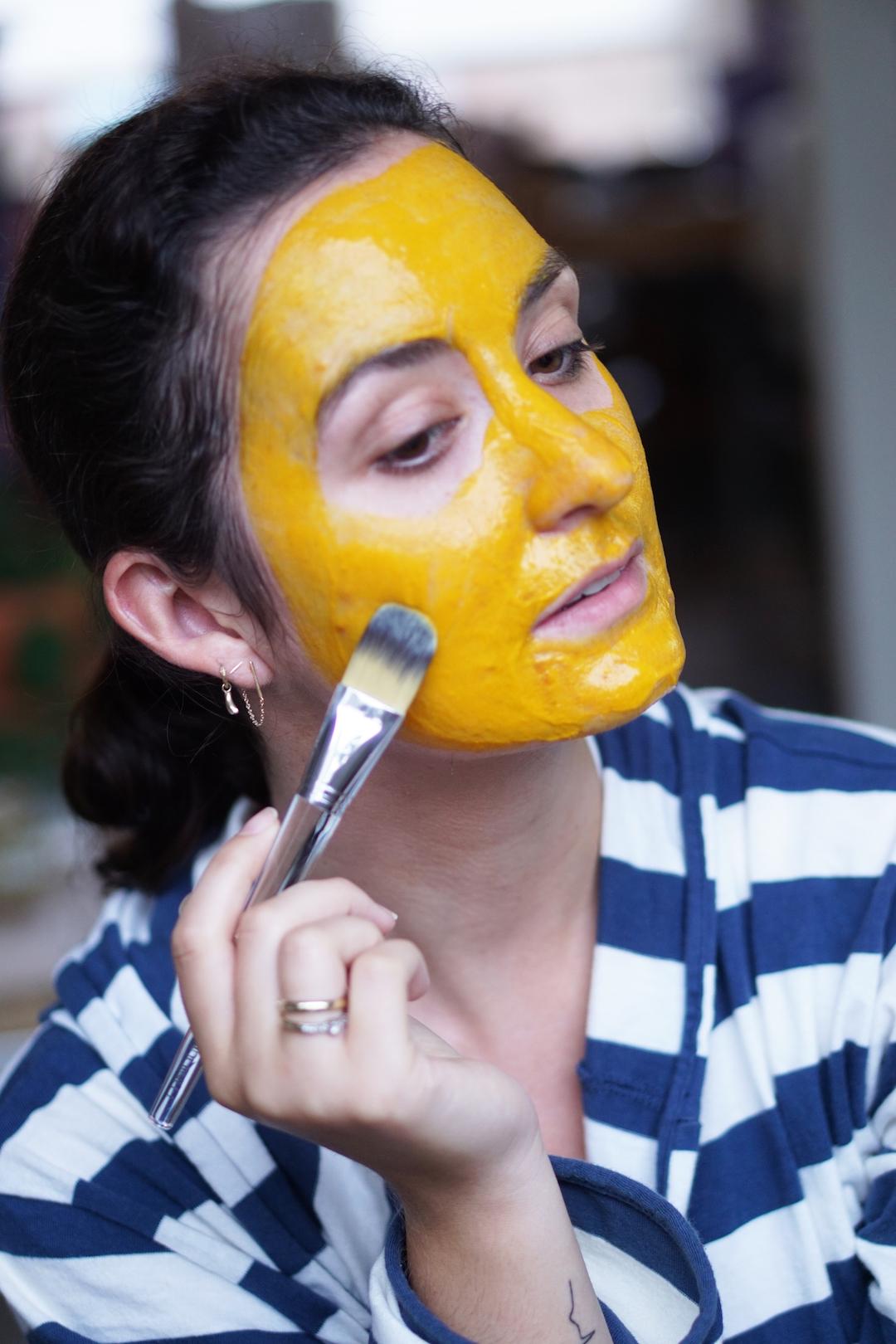 DIY goud masker tegen acne