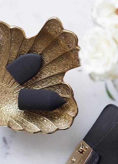 Kruidvat make-up sponsjes aan je vinger schuiven?