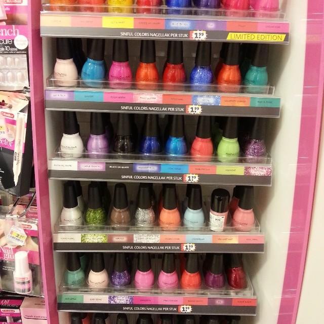 sinful colors nailpolish rack