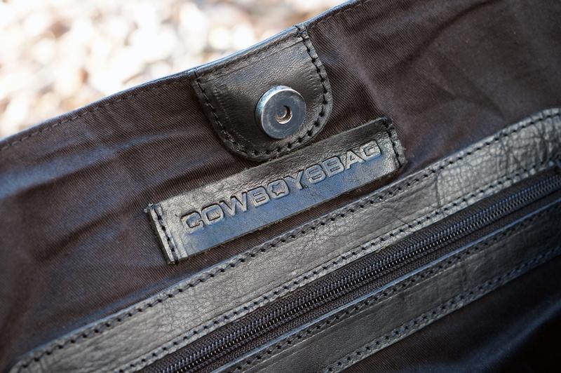Cowboysbag-sheffield-black (4)
