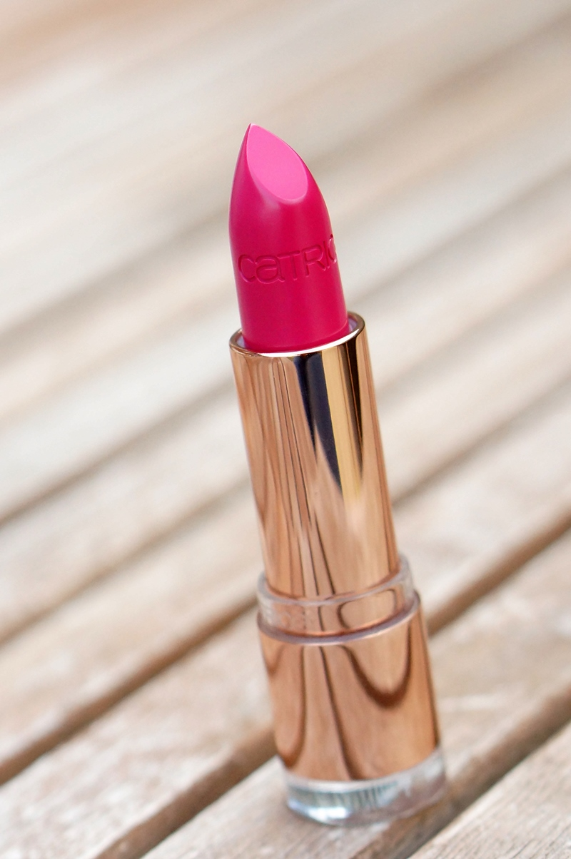 Catrice-C02-Alluring-Pink-metallure-limited-edition-lipstick (11)