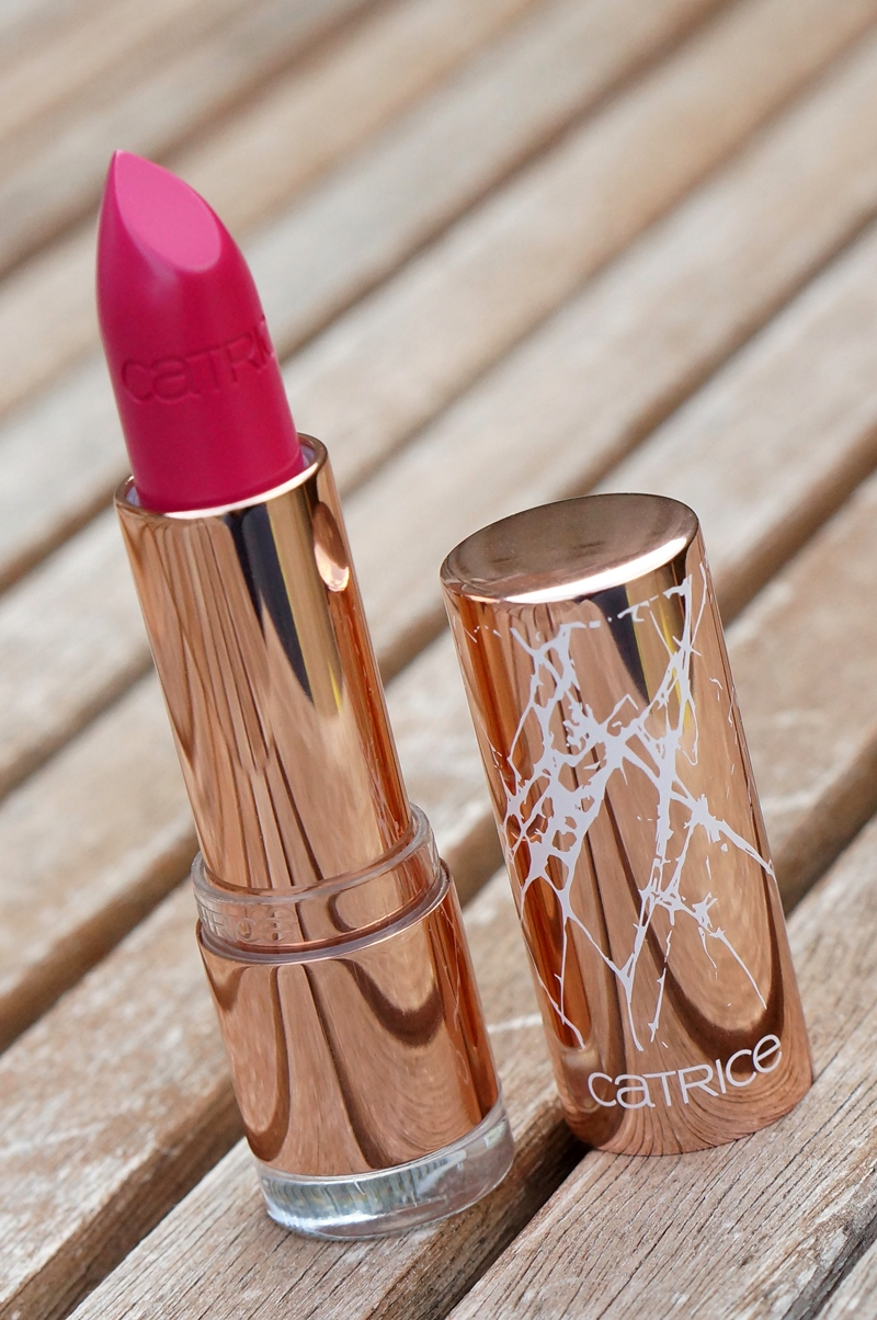 Catrice-C02-Alluring-Pink-metallure-limited-edition-lipstick (12)