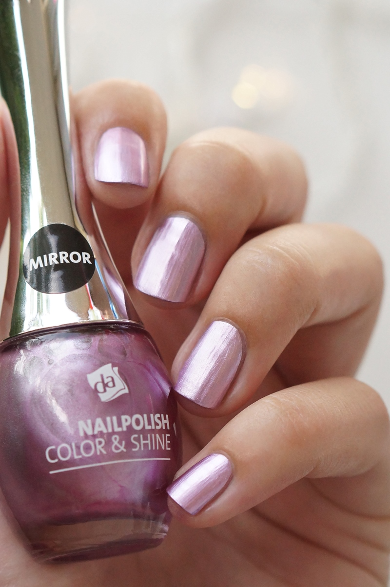 DA-nailpolish-color-&-shine-mirror-holographic