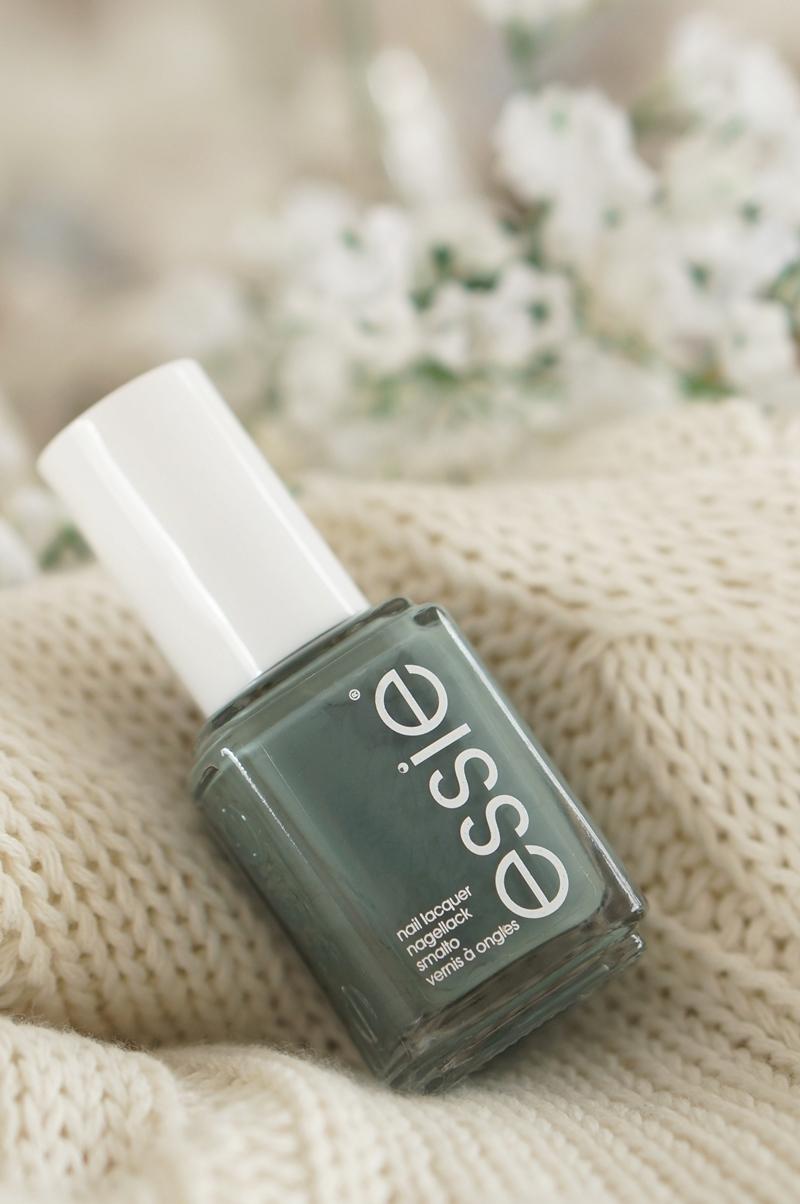 Essie-dress-to-kilt-autumn-fall-herfst-2014-swatches-beautyill (2)
