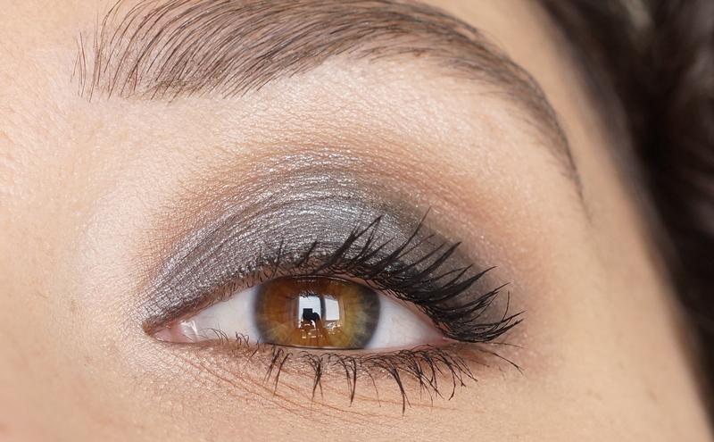 Makeup-revolution-london-redemption-palette-iconic-1-review (9)