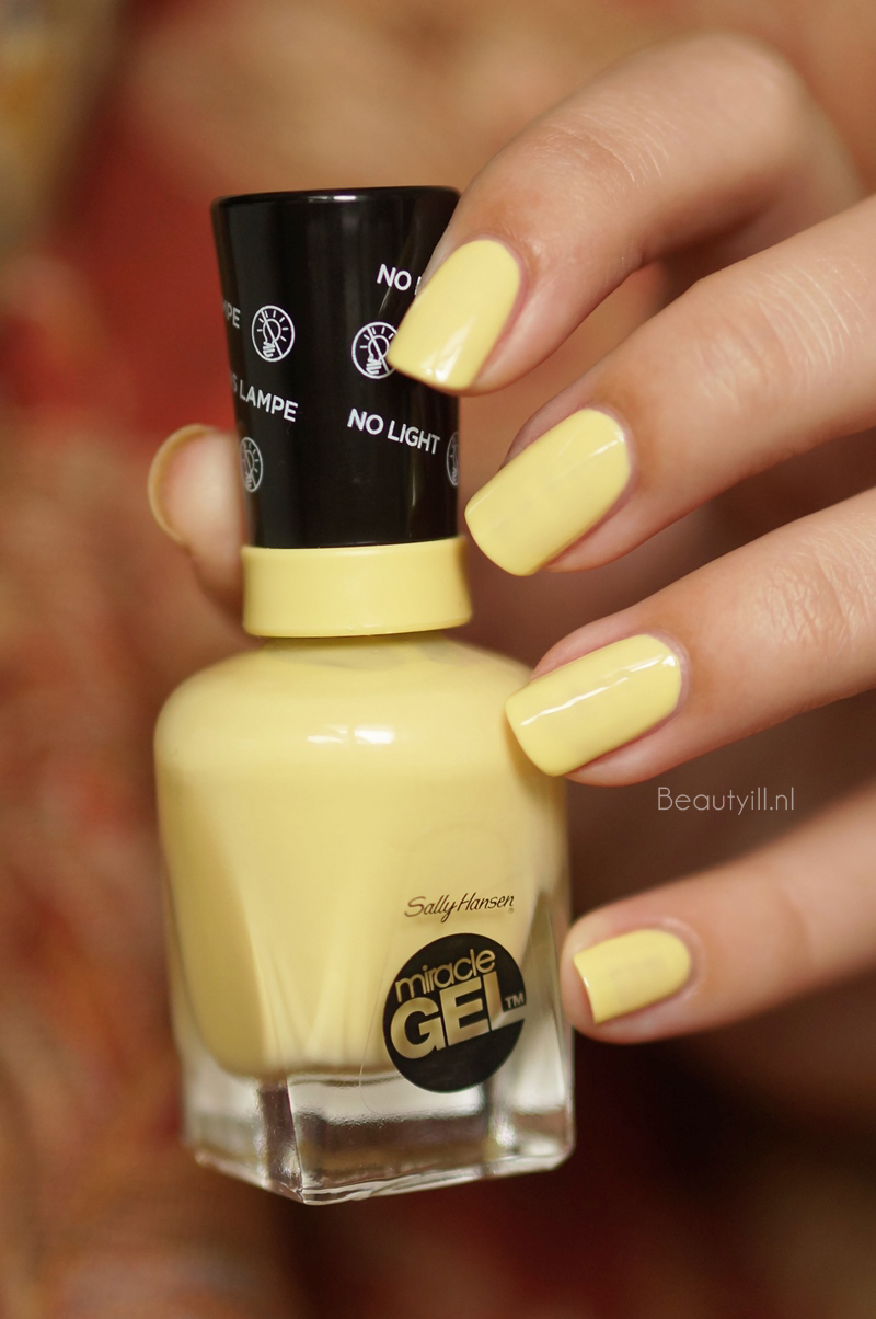 Sally-hanssen-miracle-gel-390-lemon-heaven-swatches (5)