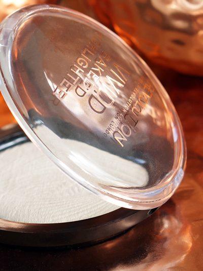 Makeup Revolution Vivid Baked Highlighter, Golden Lights (Nars Albatros dupe)