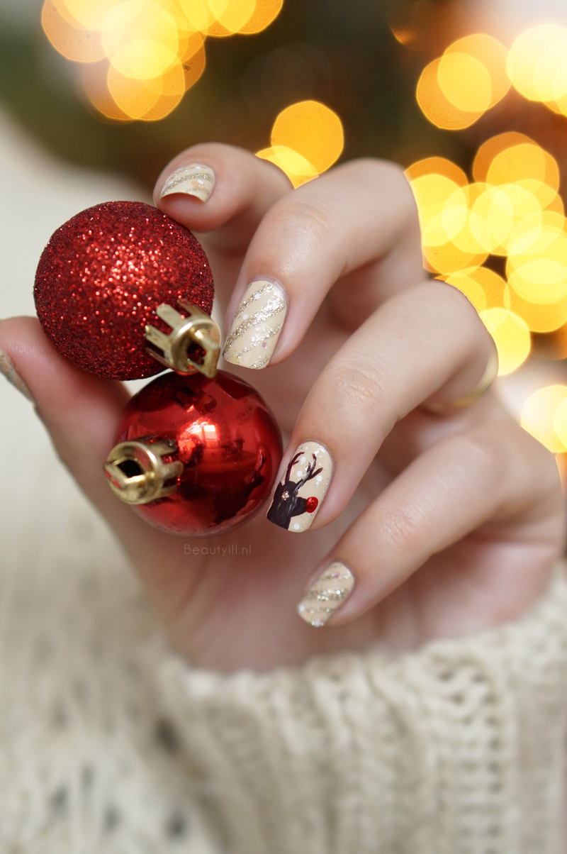 Christmas-nail-art-rendeer-opi-nude-brown-red-glitter-diy-beautyill (5)