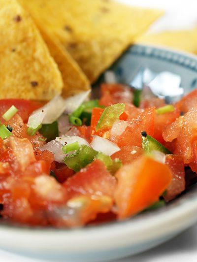 Recept tortillachips met 'Pico de Gallo' tomatensaus
