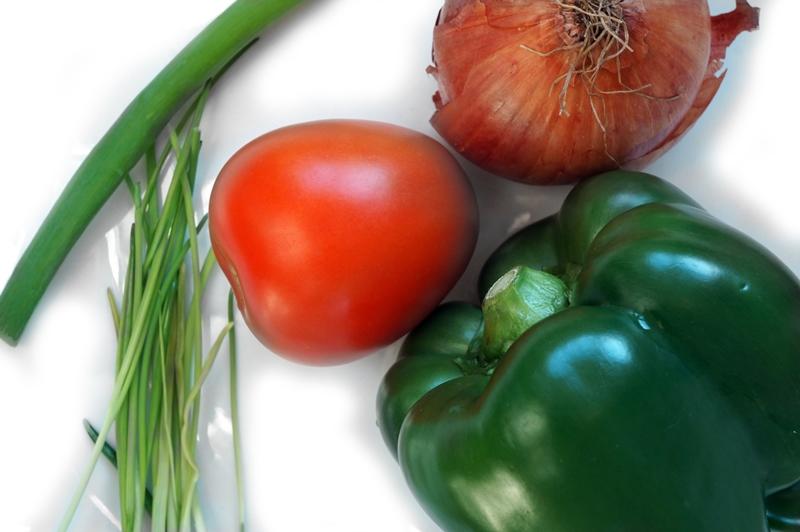 Tortillachips-met-tomaten-salsasaus-pico-de-gallo-recept (8)