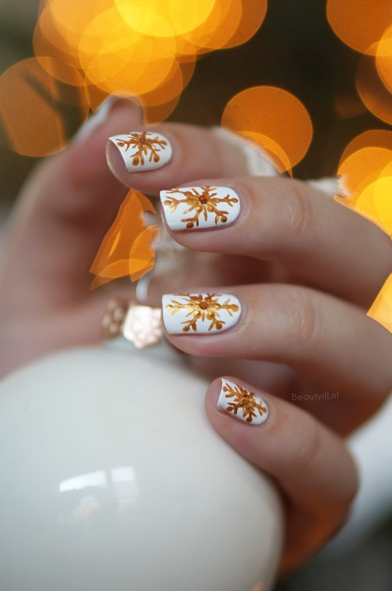 christmas-nail-art- snowflakes-step-by-step (5)