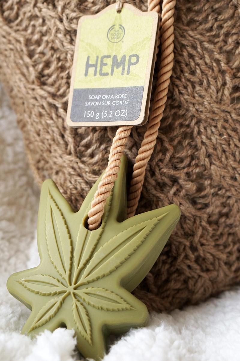 Hemp-soap-on-a-rope (7)