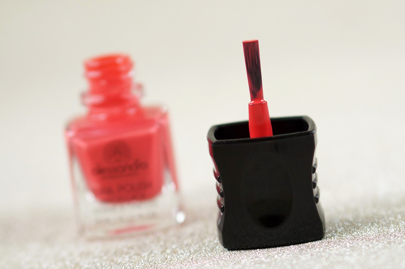 NOTD-Alessandro-lost-love-valentine-beautyill-swatch (1)