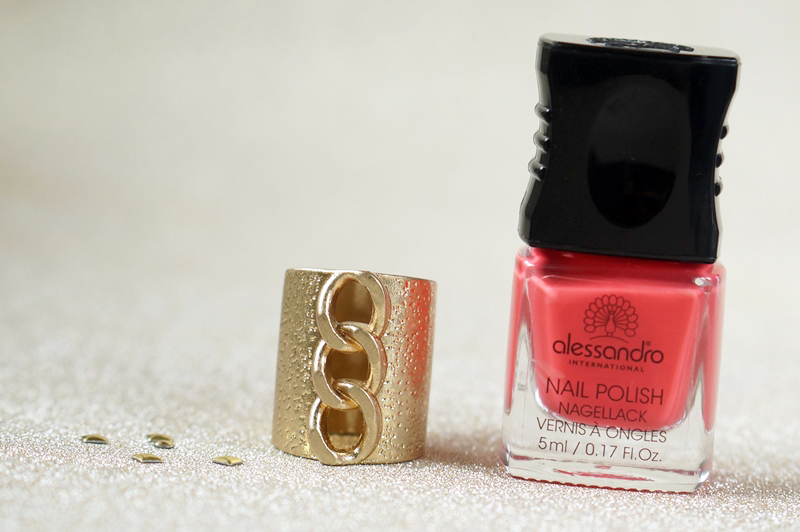 NOTD-Alessandro-lost-love-valentine-beautyill-swatch (5)