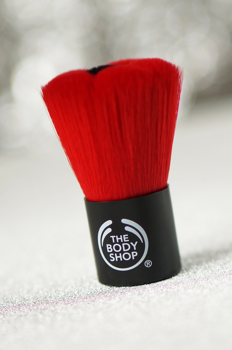 the-body-shop-euphoria-limited-edition-smokey-poppy-yellow-review-body-butter-scrub-blush-nagellak-oogschaduw (7)