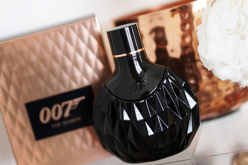 James-Bond-007-eau-de-toilette-parfum-douchegel-for-woman (4)