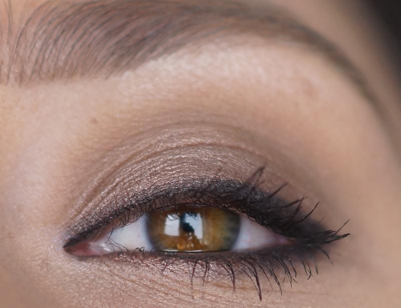 mac-cinderella-eyeshadow-palette-review-look-swatches-stroke-of-midnight (1)