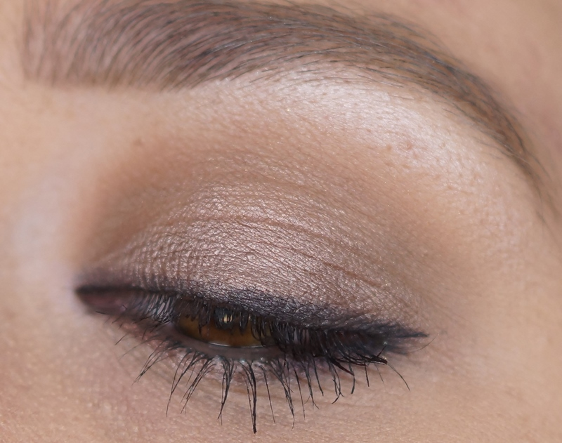 mac-cinderella-eyeshadow-palette-review-look-swatches-stroke-of-midnight (18)