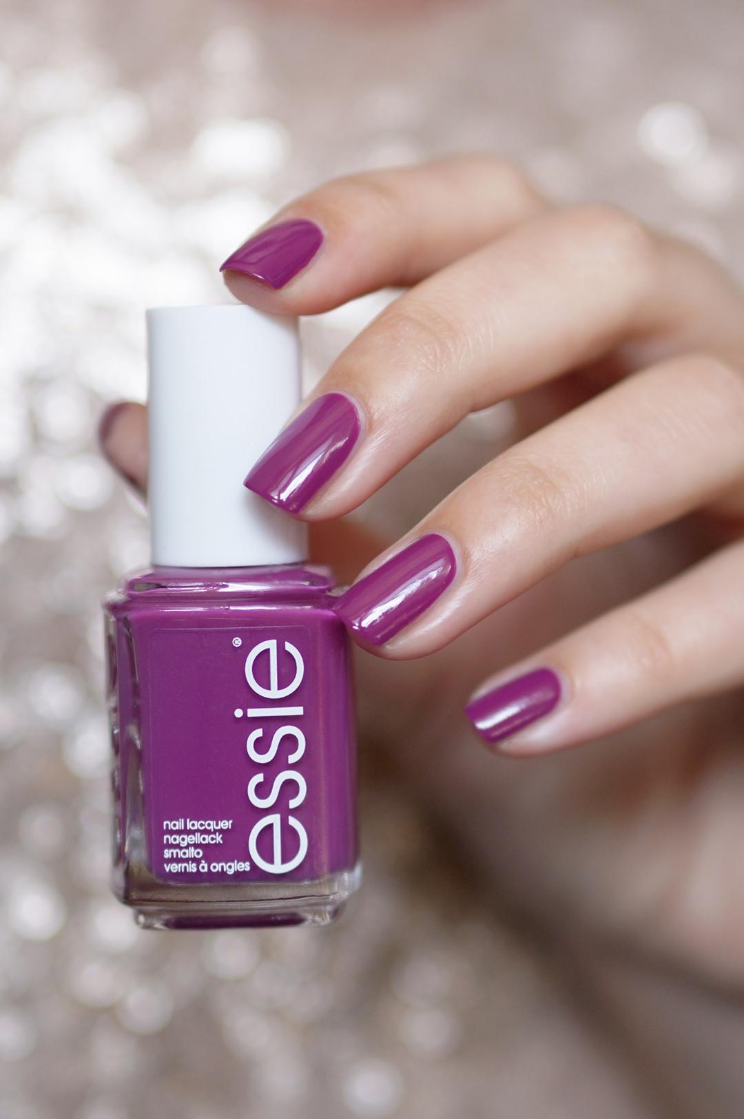 Essie-flowerista-flowerista-swatches-beautyill (1)