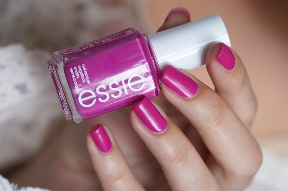 Essie-too-taboo-swatches-beautyill (2)