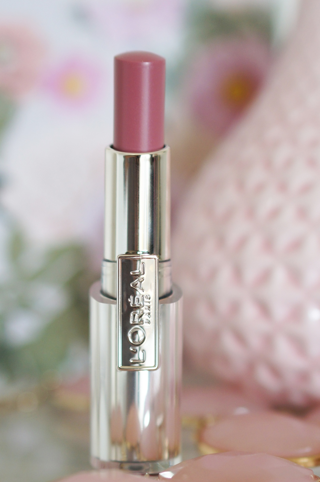 Lóreal-caresse-101-tempting-lilac-lipstick-review-swatches (5)