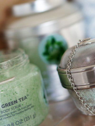 The Body Shop Fuji Green Tea Detox Bath Tea & Scrub