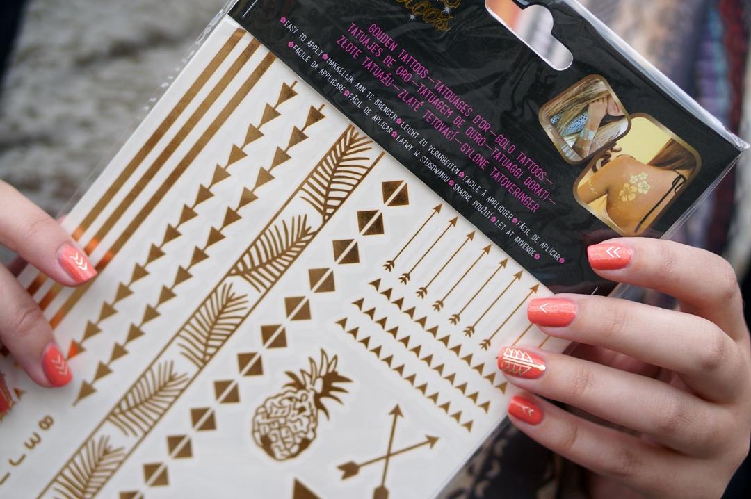 DIY Nail Art Gold Hippie Tattoo