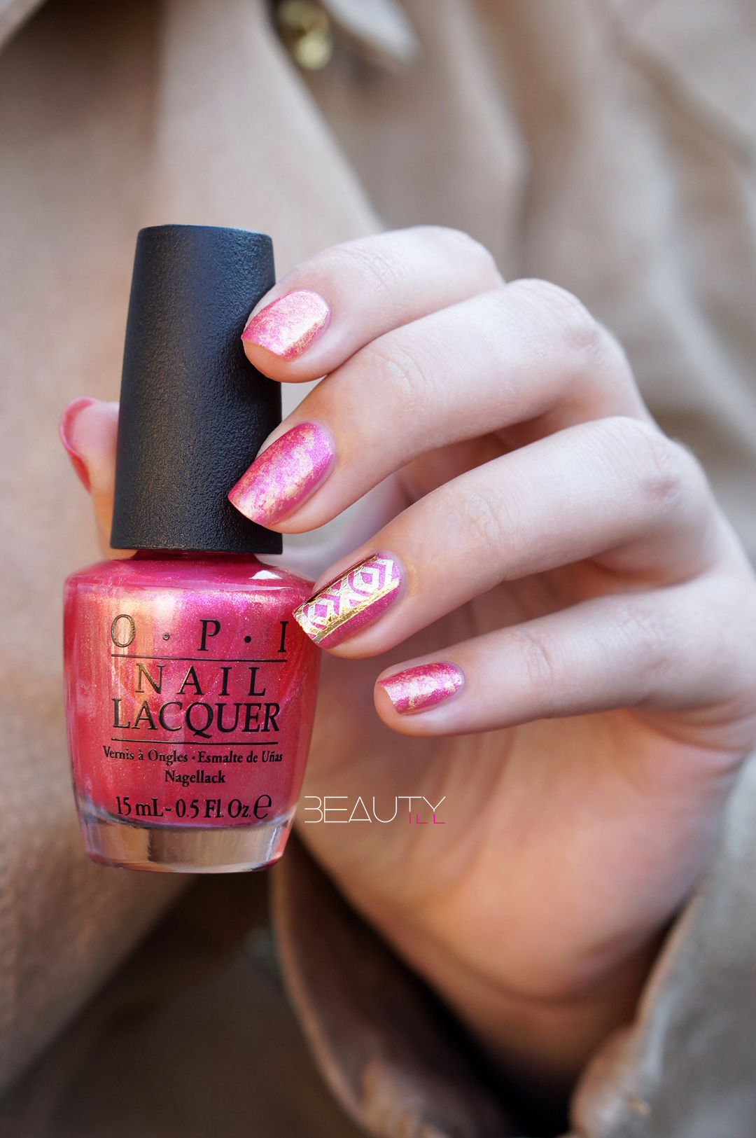 DIY Nail Art Saran Wrap Pink/Gold