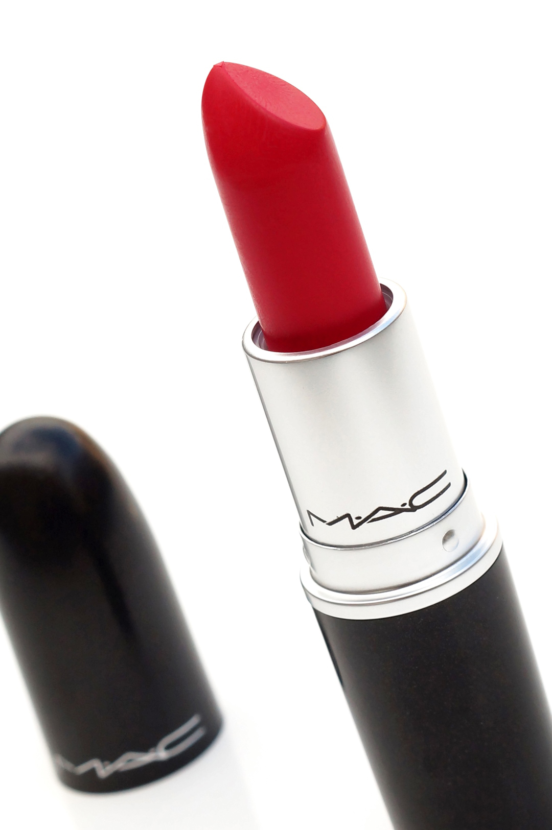 MAC-Retro-matte-relentlessly-red-review-swatches-look (7)