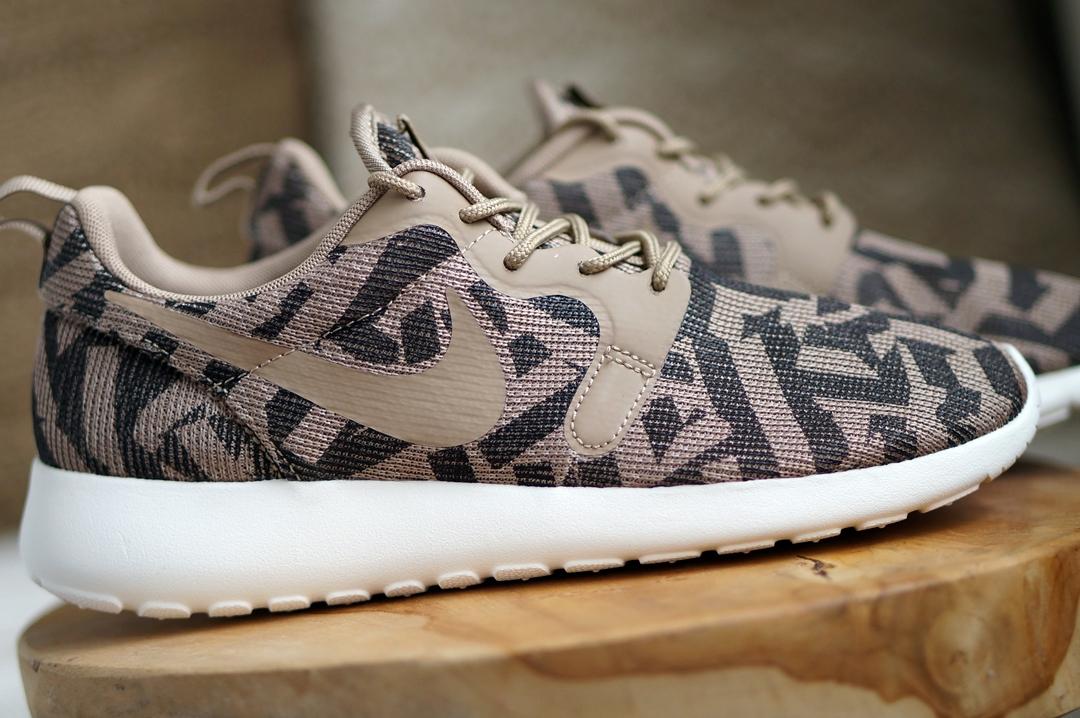 Nike Rosherun One (Jacquard Desert Camo)