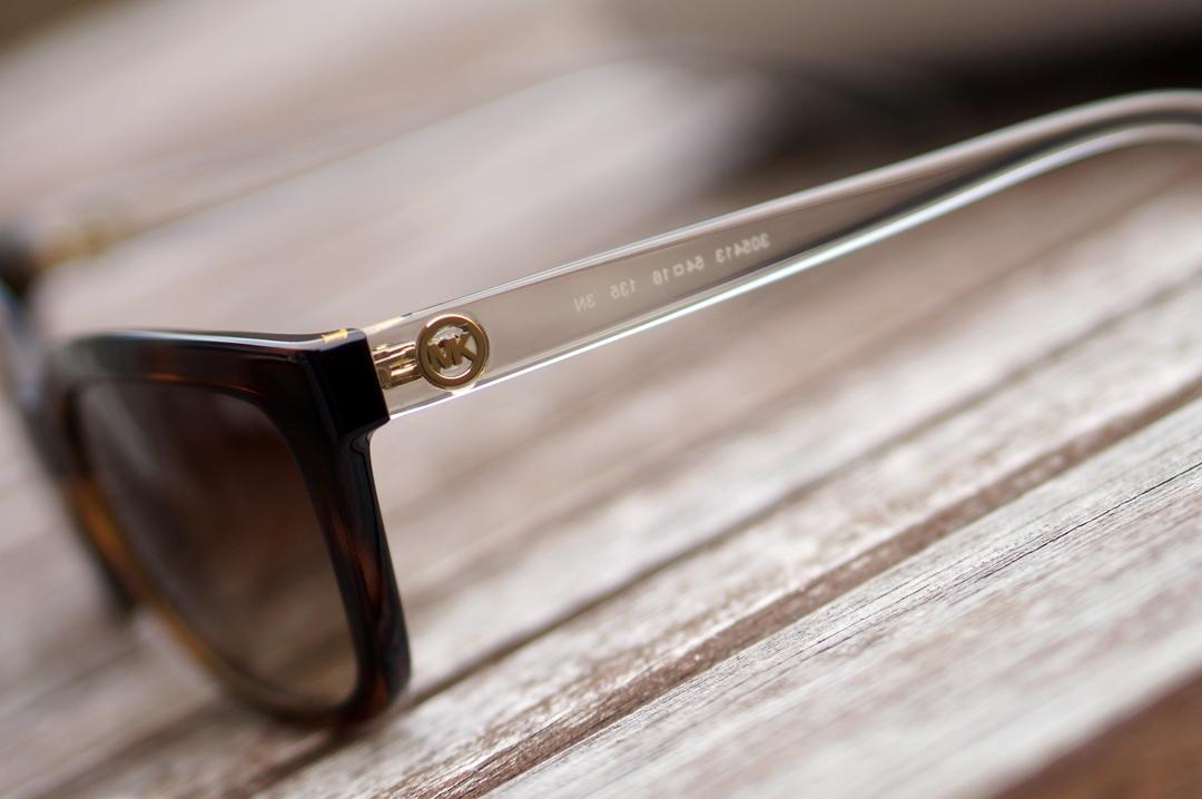 summer-musthaves-sunglassesshop-opi-rivere-maison-marc-inbane-biosilk (9)