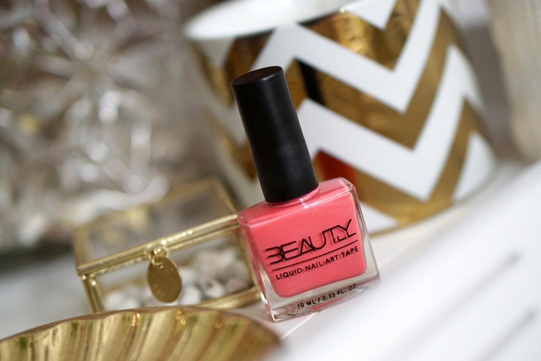 Beautyill Liquid Nail Art Tape Koraal, limited edition feestdagen + WIN