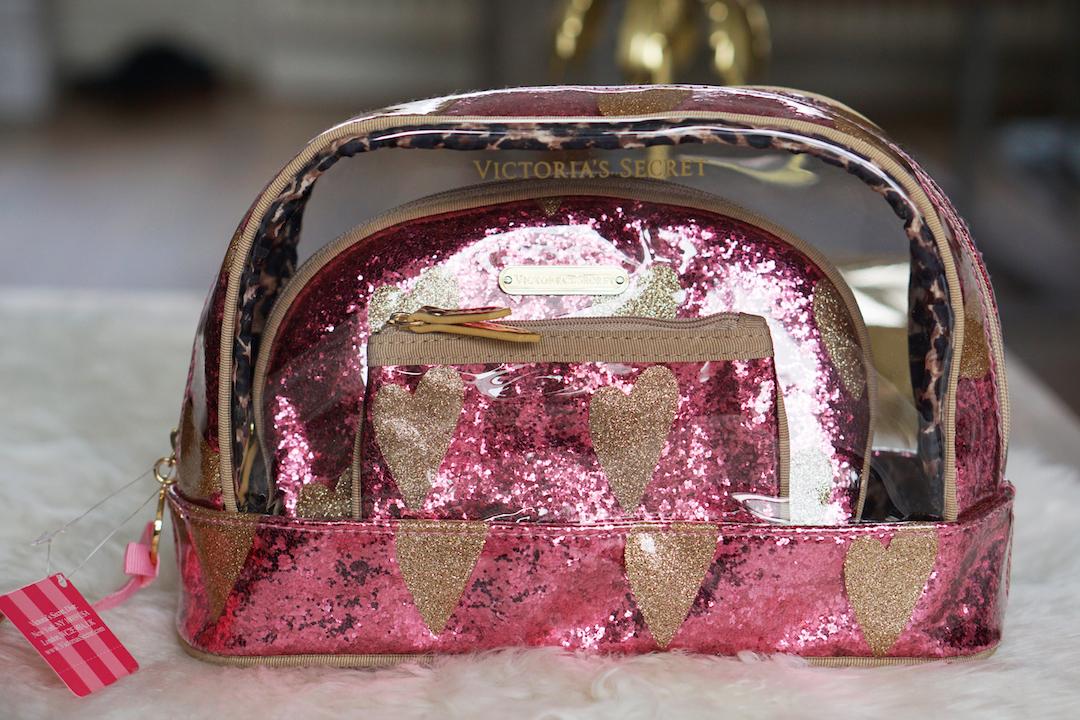 Welp Victoria's Secret toilettas - Beautyill RW-18