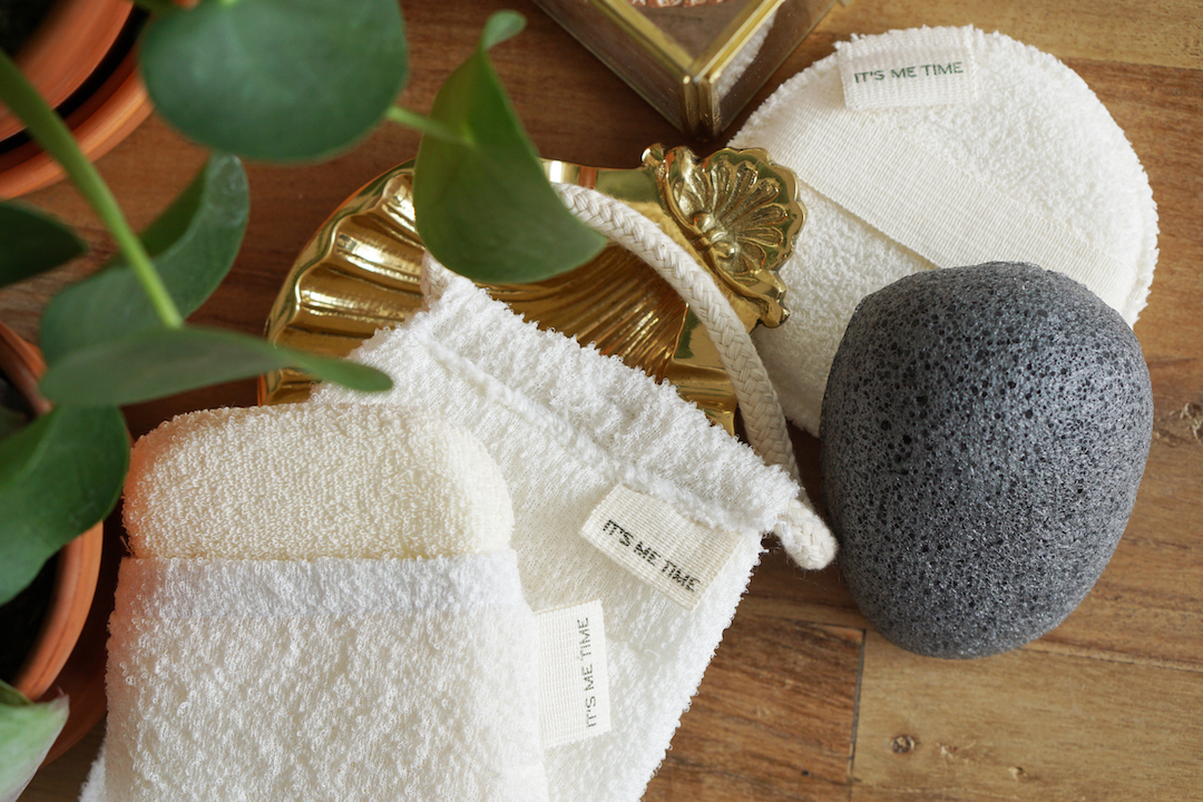 Daily Concepts Scrubbers & Konjac Sponge