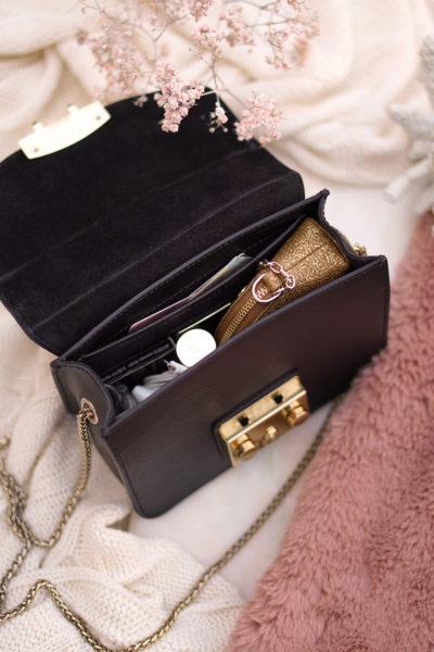 What's in my Furla Metropolis Mini Onyx bag?