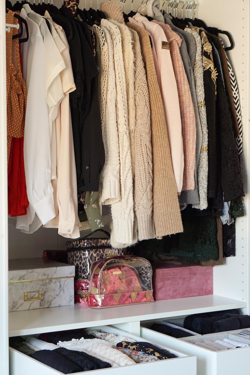 wardrobe Marie Kondo