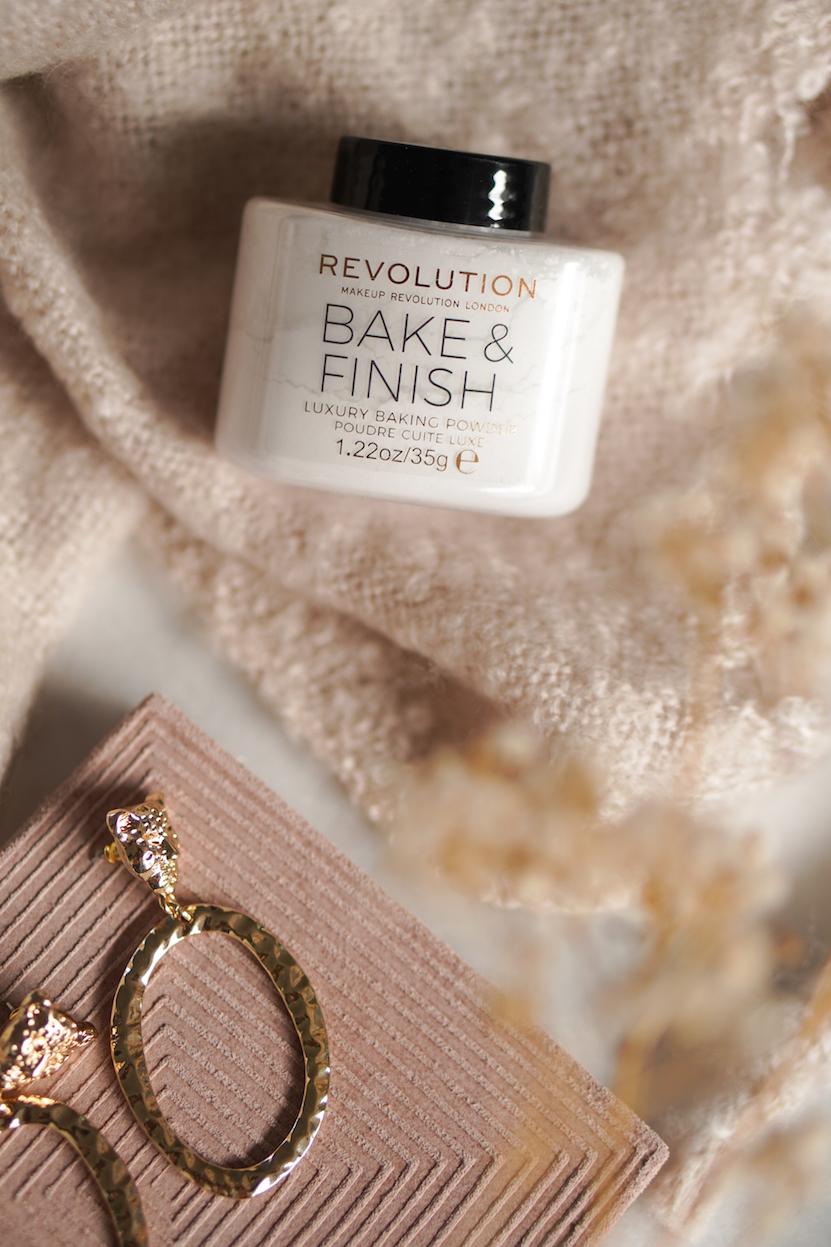 Revolution Bake & Finish luxury baking powder