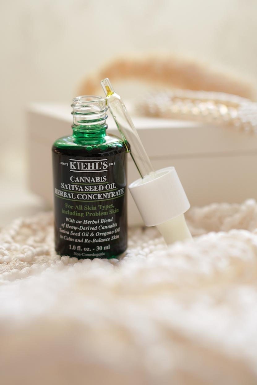 Kiehls Cannabis Sativa Seed Oil Herbal Concentrate en Cleanser