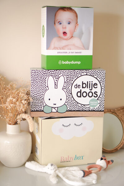 Unboxing gratis baby boxen Prenatal, Babydump & Blokker