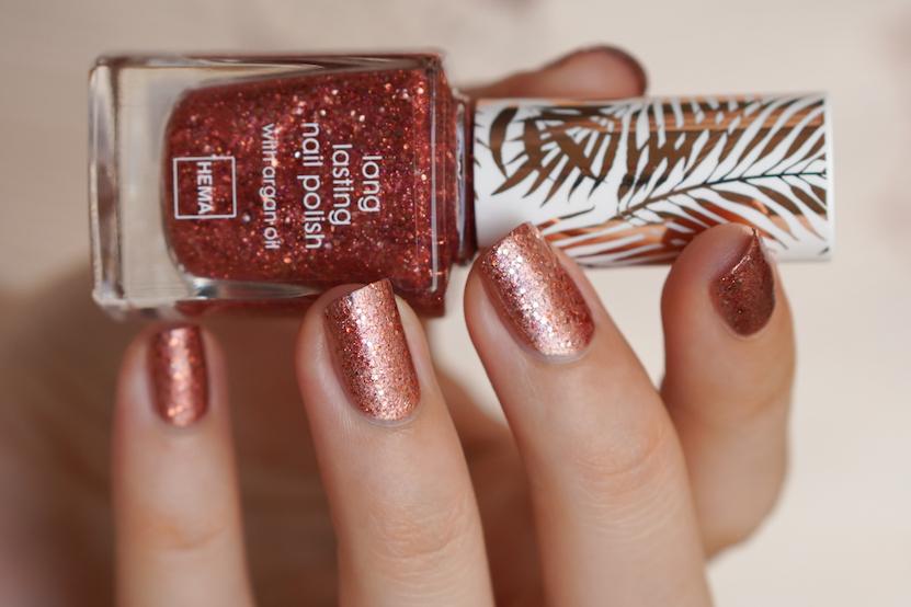 HEMA long lasting nail polish & matte lipstick